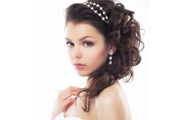 How to make hairstyles for long hair on the prom. 2015
