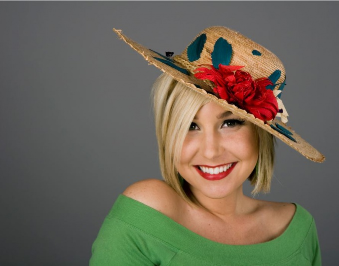 How to decorate a straw hat