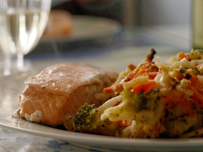 How to bake salmon in oven in foil