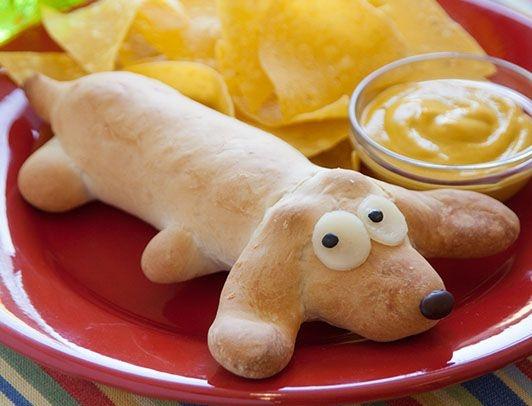 Детские рецепты: сосиска в тесте в виде собачки