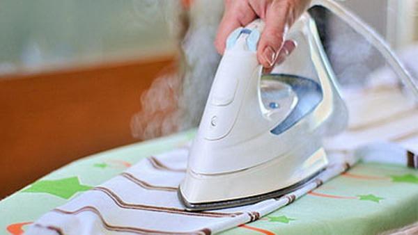 Как почистить утюг внутри и снаружи: советы, которые работают