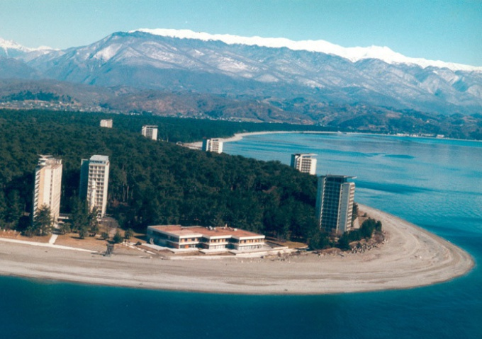 Отдых в Абхазии: отправляемся на песчаные пляжи