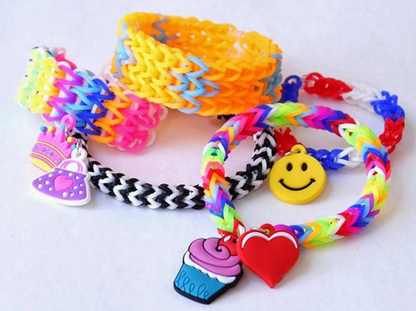 How to make bracelets out of rubber bands in different ways