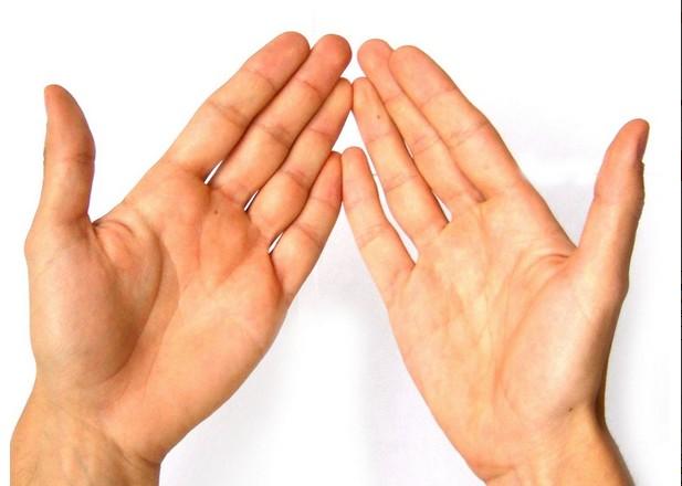 О чем расскажут длинные пальцы на руках?