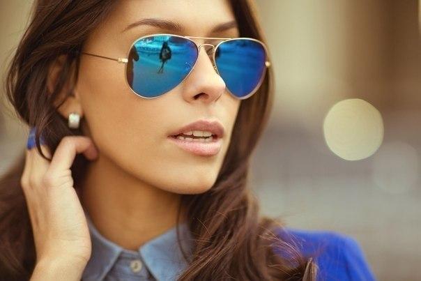 Очки-авиаторы: стильный аксессуар модной девушки
