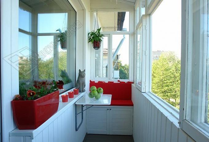 Как застеклить балкон: выбираем свой вариант :: ремонт кв....