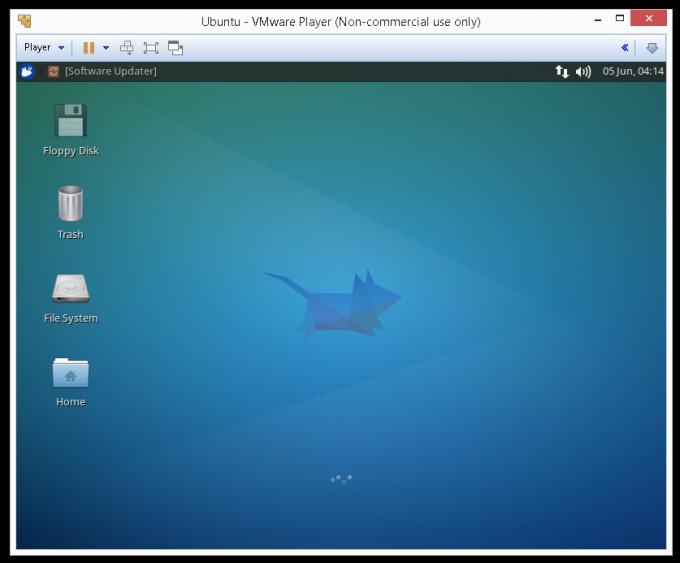 Xubuntu 14.04 в VMWare Player.