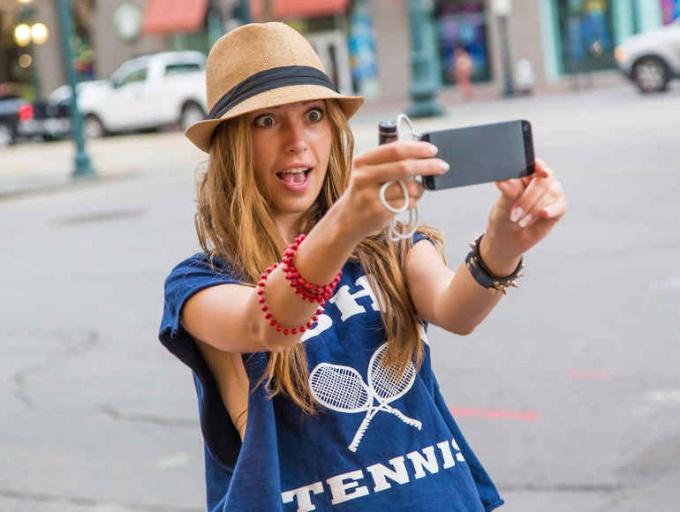chem-opasno-uvlechenie-selfi