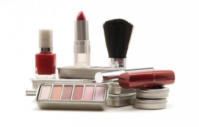How to buy cosmetics in online stores?