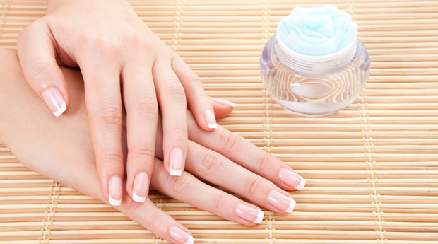White, transverse bands on the fingernails. Causes and treatment of white stripes on nails