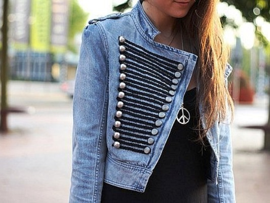 A few simple ways how to decorate a Jean jacket