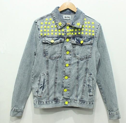Несколько примитивных методов как украсить джинсовую куртку