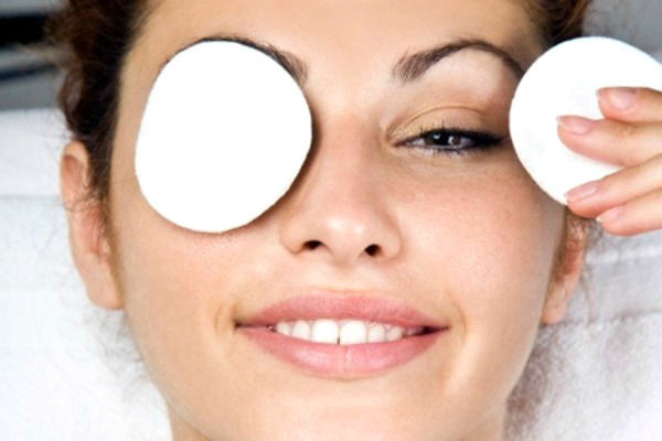 How to remove dark circles under eyes at home