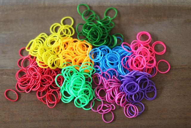 браслеты из резиночек