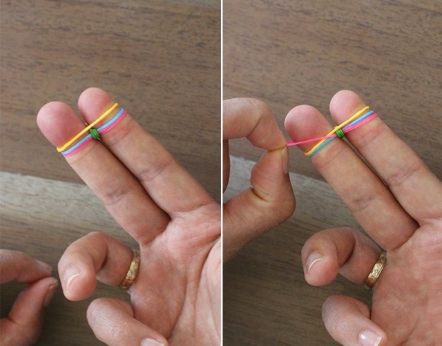 как плети браслеты из резинок 4