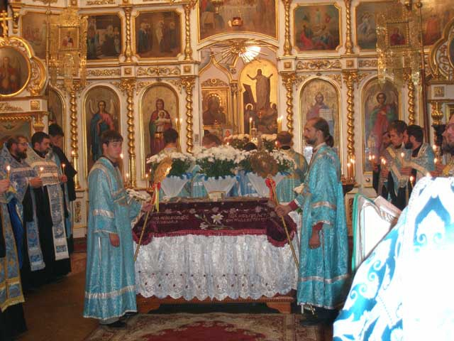 Когда совершается чин Погребения Пресвятой Богородицы в православных храмах