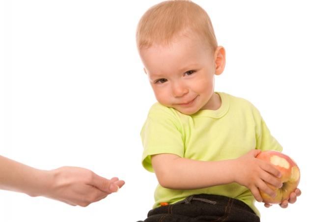 Что делать, если ребенок жадничает?