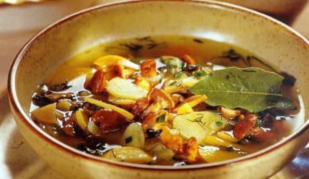 Как сварить вкусный суп из лисичек