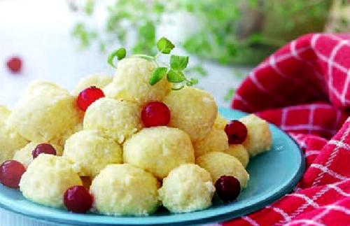 Словацкая кухня: «Фруктовые кнедлики» и «Галушки с брынзой»