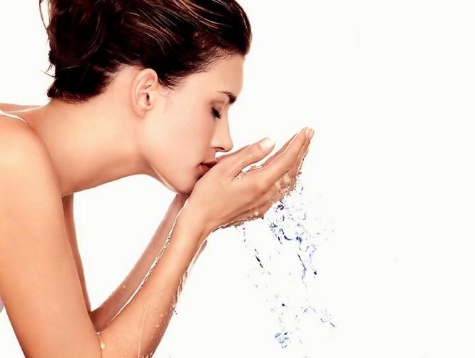 Умывание овсянкой - отличный способ привести лицо в порядок
