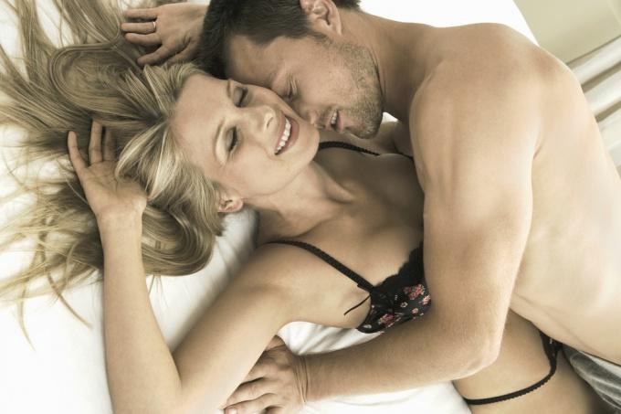 Сексуальное желание во время месячных — почему во время месячных хочется — Секс