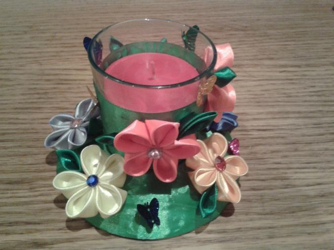 Ароматизированная свеча в стакане в стиле канзаши «Сказочная полянка»