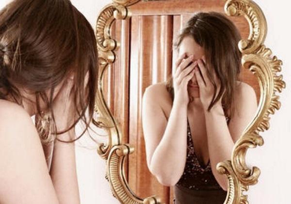Почему нельзя смотреть в зеркало когда плачешь отзывы