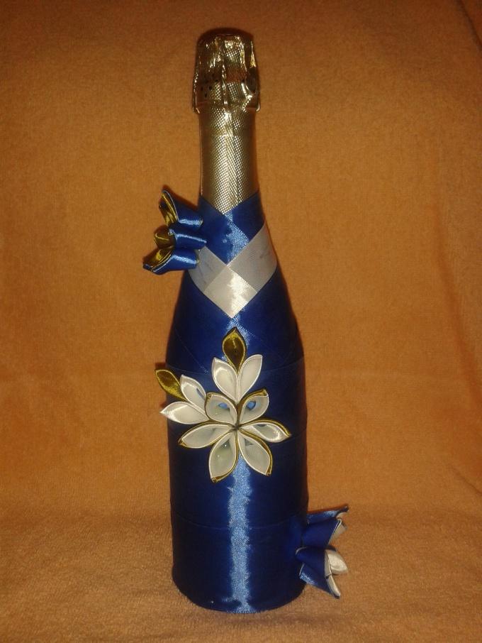 Как сделать бутылки шампанского лентами