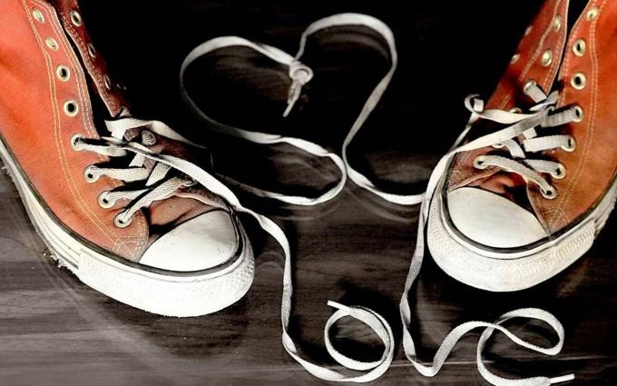 Как навсегда избавиться от неприятного запаха обуви