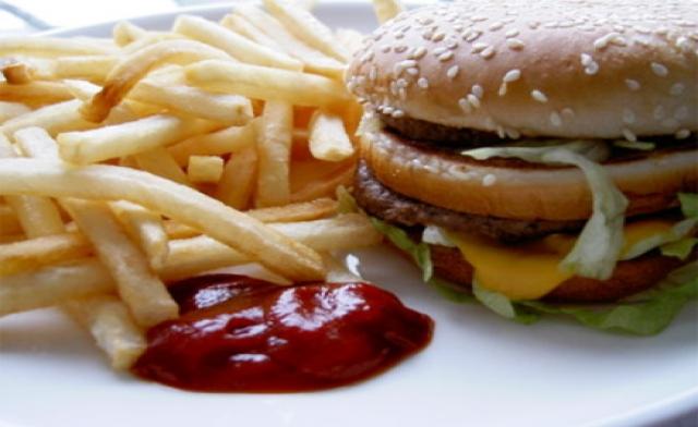 """Как избавиться от пристрастия есть """"быструю еду"""""""