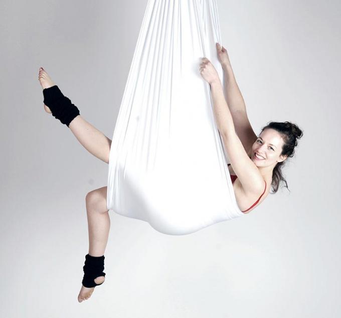 fly йога