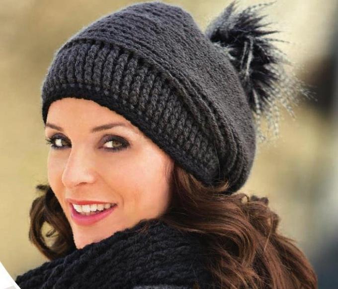 Как связать спицами женскую шапку быстро и просто, источник: dreamstime.com