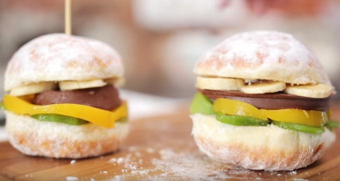 Как приготовить сладкие мини-бургеры