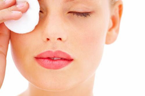 How to remove makeup from the eyes of home remedies
