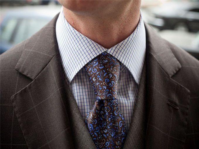 Завязывание галстука
