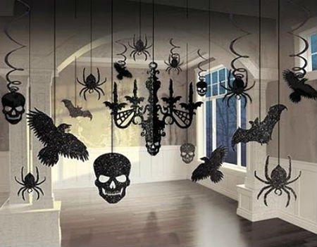 Украсьте комнату самостоятельно вырезанными гирляндами