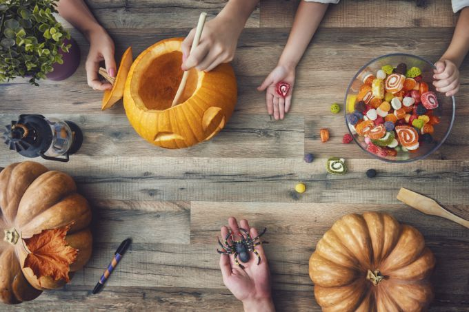 Несмотря на страшные атрибуты, Хэллоуин - добрый и веселый праздник
