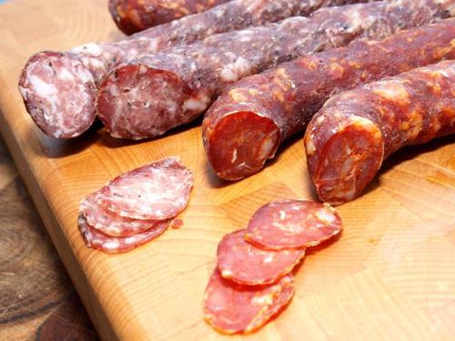 Домашняя сыровяленая колбаса без кишки
