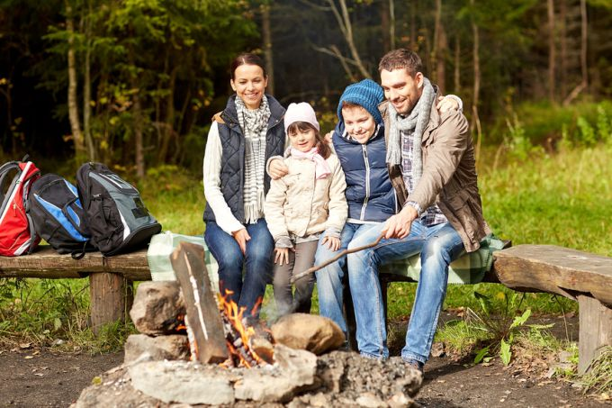 """Как провести осенние каникулы с ребенком, источник фото: фотобанк """"Лори"""""""