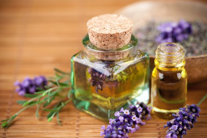 How to choose natural essential oil