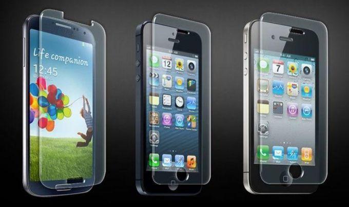 Как наклеить защитное стекло на экран смартфона