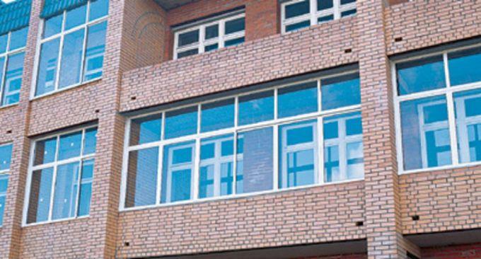 Остекление балконов и лоджий - есть ли отличия