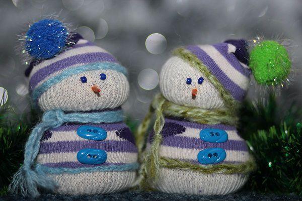 Снеговик из носка - оригинальный самодельный атрибут новогодних праздников