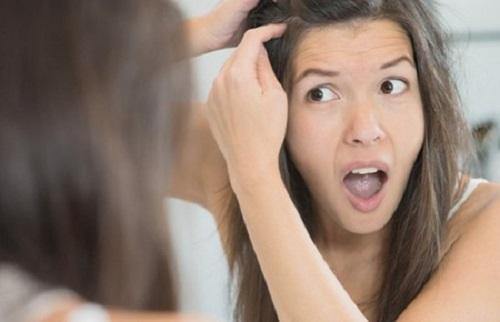 Как избавиться от прыщей на коже головы