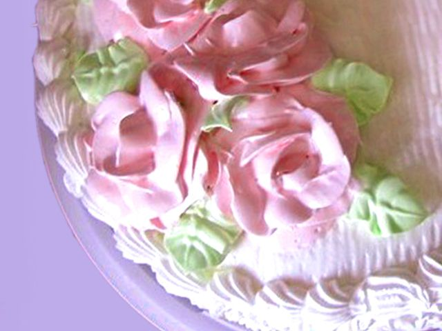 Как просто украсить торт сливочным кремом?
