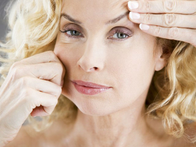 We get rid of wrinkles on the face of folk remedies