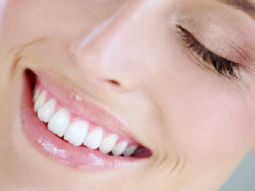How to whiten yellow teeth at home