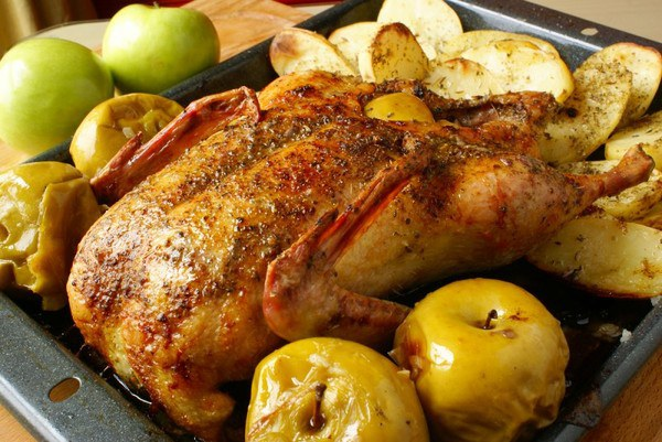 How to cook duck with potatoes in the oven
