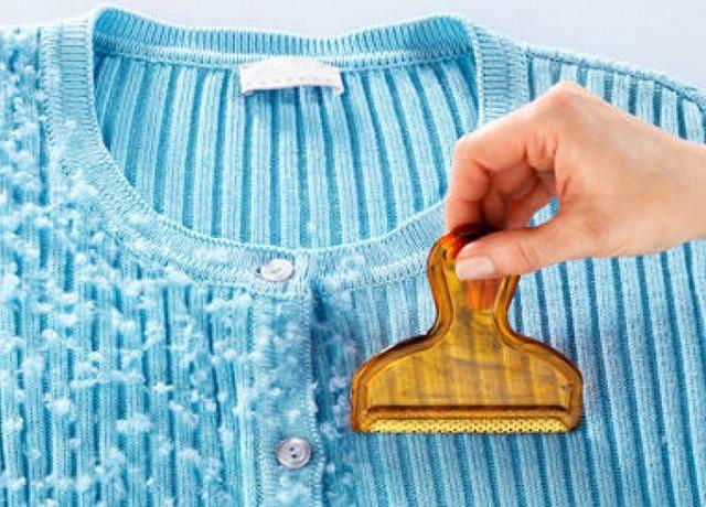 Как убрать катышки с одежды