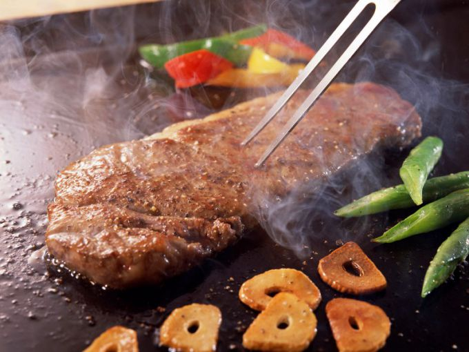 Жаря мясо на сковородке, выберите наиболее интересную для вас прожарку